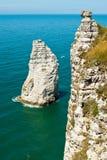 Felsiger Strand in Normandie, Frankreich. Stockbilder