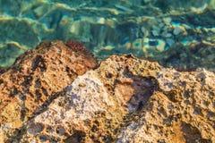 Felsiges adriatisches Ufer Stockbild