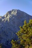 Felsiges genäht in den weißen Bergen Stockfotografie
