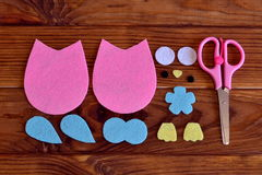Felt sewing kit toy owl. Felt owl pattern, scissors. How to make a cute felt owl toy - kids DIY crafts tutorial Royalty Free Stock Photography