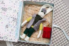 Felted królik jako prezent Zdjęcie Stock