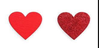 Feltro do vermelho, corações do brilho isolados no fundo branco, dia de são valentim Fotos de Stock Royalty Free