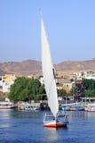 Felucca auf dem Nil lizenzfreie stockbilder