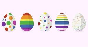 Fem designer för easter ägg i regnbågefärg stock illustrationer