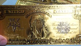 Fem dollar silvercertifikat och sedel för guld- folie 24k lager videofilmer