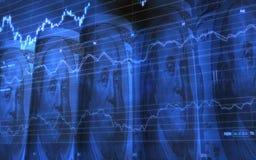 Fem hoprullade 100 dollar räkningar med aktiemarknaddiagrammet Royaltyfri Bild