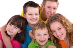 fem lyckliga ungar Arkivbilder