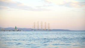 Fem masted barquentine