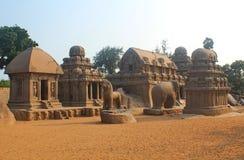 Fem Rathas på Mahabalipuram, Indien Arkivbilder
