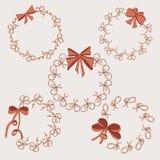 Fem runda ramar tappning för stil för illustrationlilja röd Hand drog pilbågar Arkivfoto