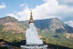 Fem sittande Buddhastatyer på Wat Pha Sorn KaewWat Phra Thart Pha Kaewin Khao Kho, Phetchabun, nord-central Thailand Fotografering för Bildbyråer