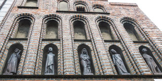 Fem statyer Arkivfoto