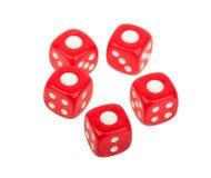 Fem tärning tärnar med ett nummer ett upptill, kasinot som spelar Royaltyfri Foto