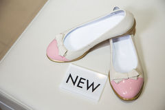 Female ballet flats are on the shelf, the new collection Royalty Free Stock Images