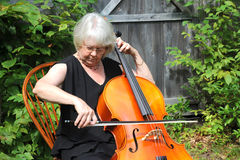 Female cellist Royalty Free Stock Images