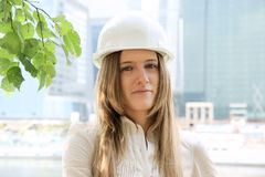 Female construction worker in hard hat Royalty Free Stock Photos