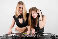 Female Djs mixing vinyl Stock Photos