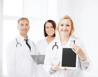 Female doctor with tablet pc Royalty Free Stock Photos