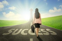 Free Female Entrepreneur With Arrow And Success Word Royalty Free Stock Photo - 130574835