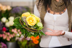 Free Female Florist In Flower Shop Stock Images - 22711154