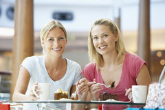 female friends having lunch mall together Στοκ Εικόνες