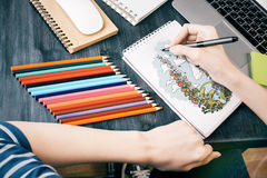 Female hands drawing summer sketch Royalty Free Stock Photos