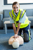 Female paramedic during cardiopulmonary resuscitation training Royalty Free Stock Photos