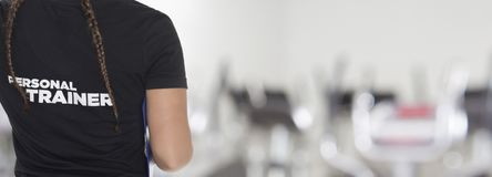 Free Female Personal Trainer Royalty Free Stock Photos - 104565148