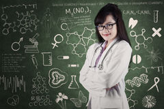 Female physician in laboratory Royalty Free Stock Photo