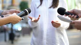 Free Female Politician Talking On Media Press Conference, Public Relations, Event Royalty Free Stock Photos - 160855578