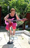 Female singer guitarist Royalty Free Stock Photos