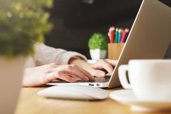 Female typing on keyboard Royalty Free Stock Photography
