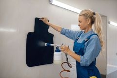 Free Female Washer With Steam Cleaner, Car Wash Service Royalty Free Stock Photography - 166675077