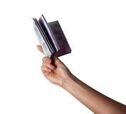 femalewoman手举行bookdiary的emptyblank,笔记盖子隔绝了白色 免版税图库摄影