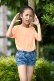 Femelle adolescente sous l'effort photo stock