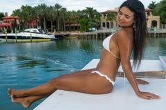 Femelle sexy en île d'étoile Image stock