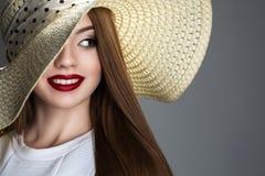 Feminilidade nos acessórios e no olhar fotos de stock royalty free