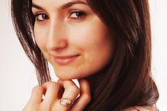 femininity Retrato da beleza de uma menina moreno bonita nova w Fotos de Stock Royalty Free
