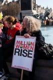 Feministyczny uczestnik kampanii w Trafalgar kwadracie Fotografia Stock