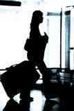 Femme à l'aéroport Photos libres de droits