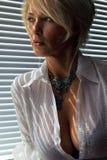 Femme à la lumière du soleil Photographie stock