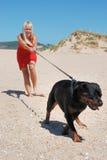 Femme à la plage Photographie stock