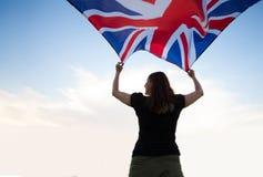 Femme à Londres avec un drapeau photo libre de droits