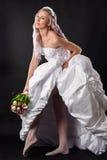 Femme élégante dans une robe de mariage photos libres de droits
