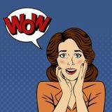 Femme étonnée avec la bulle et l'expression wow illustration stock
