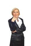 Femme aîné élégant avec des perles Photos stock