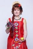 Femme aîné avec des fruits Photo stock