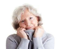 Femme aîné avec le col roulé Image stock