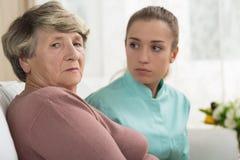 Femme aînée déprimée photos libres de droits
