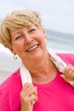 Femme aînée en bonne santé images stock